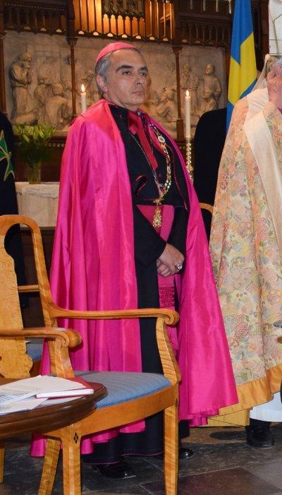 /katolske-arkebiskopen-ezio-scaglione.jpg