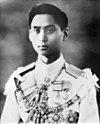 /100px-king_ananda_mahidol_portrait_photograph-rama-8.jpg