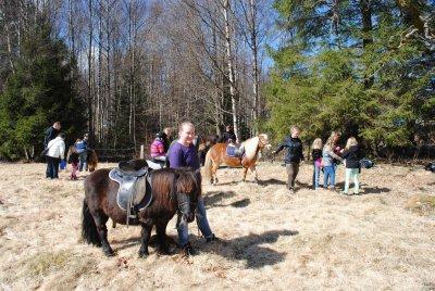 Svansjö ridklubb var på plats och hade ponnyridning.
