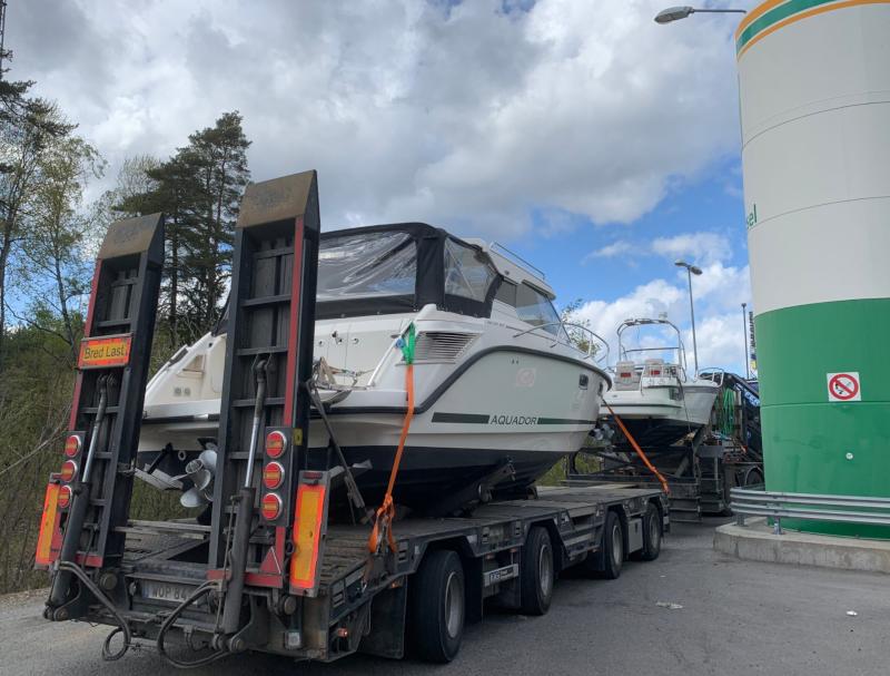 Vi är experter inom specialtransport och båttransporter i Mälardalen och hela Sverige.