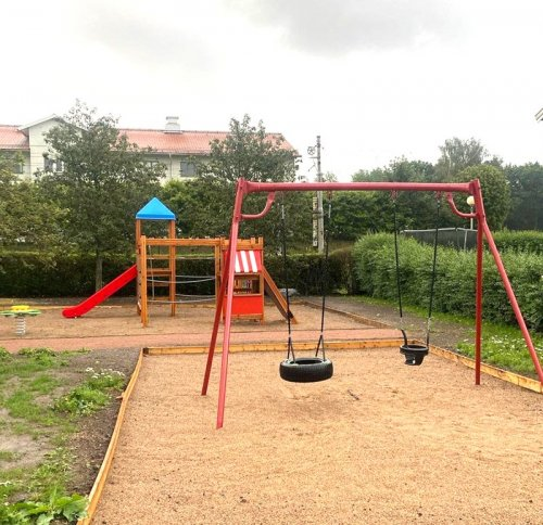 Här har vi byggt en ny lekplats i Kviberg.