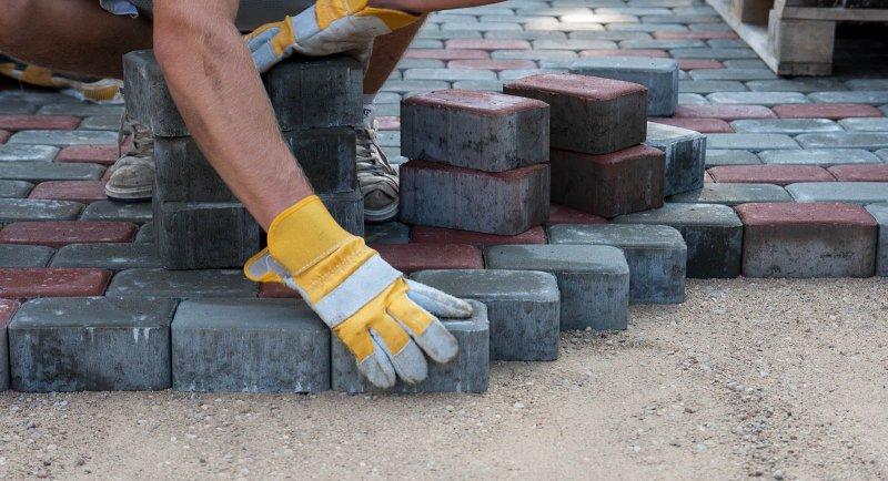Vi är experter på stenläggning i Västerås och hjälper dig under hela processen.