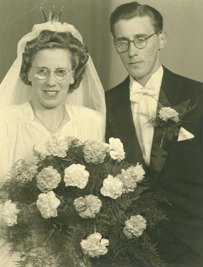anna-sofia-holm-gifte-sig-den-26-juni-1948-m-per-wallin.jpg