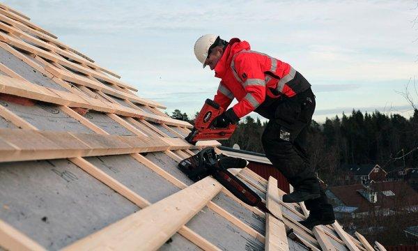 Takläggare lägger tak