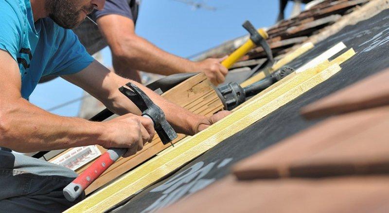 Med stor kunskap inom takbyte är vi det självklara valet av takläggare i Örebro.