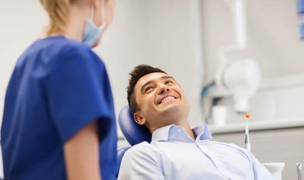 patient med tandvärk i behov av akut tandvård