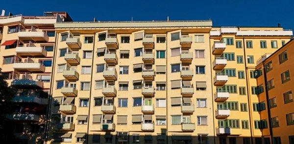 Fönster på flerbostadshus