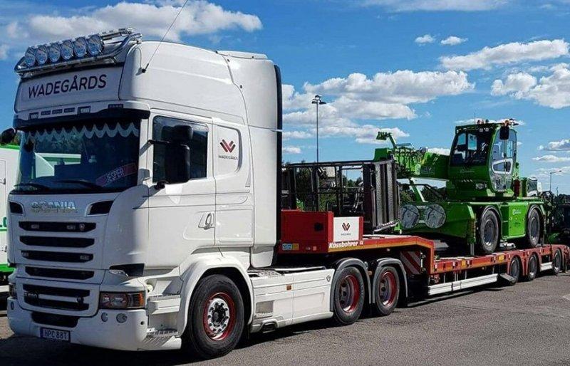 Vi erbjuder även transport med lastbil i Skövde.