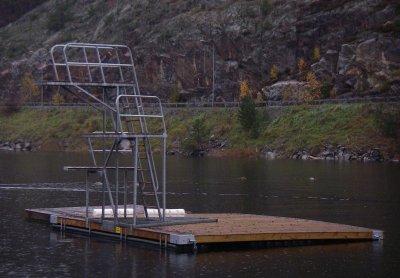 hopptorn 3 meter högt på badflotte