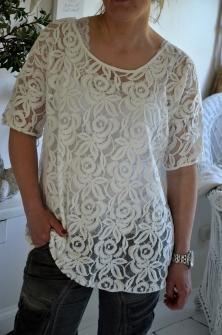 Annemone -lace blouse