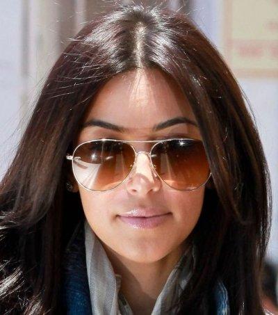 /kim-kardashian-solglasögon.jpg