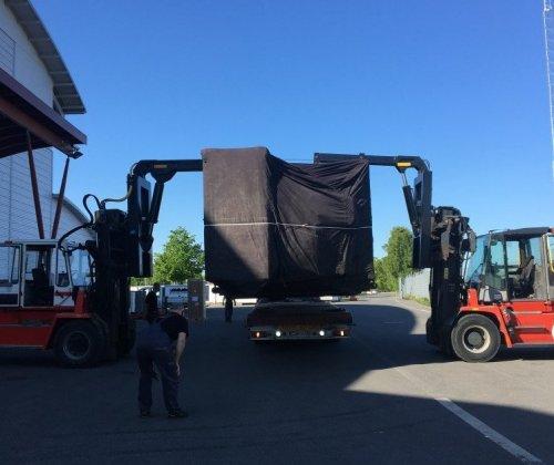 Vi utför tunghantering och transporterar i hela Norden och över helaEuropa.