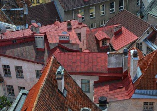Vi tvättar och sköter om dina tak i Stockholm!