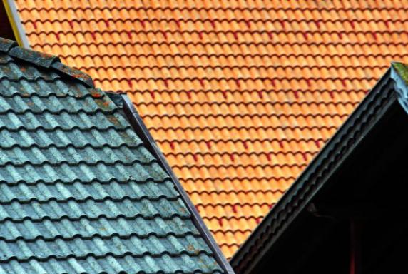 Vi kan behandla och tvätta tak i Stockholm oavsett betongplatta.