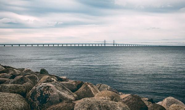 kusten vid Malmö Öresundsbron