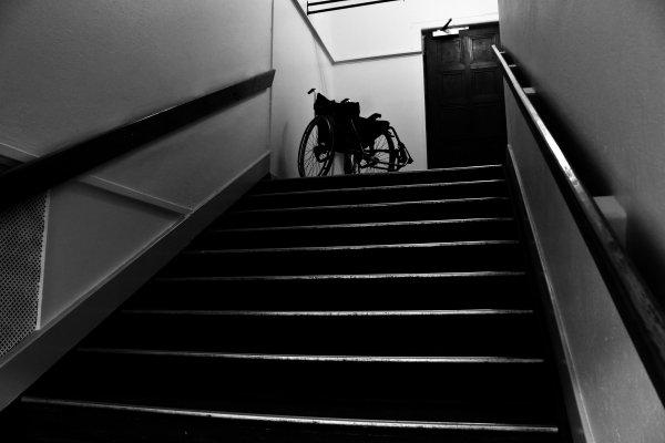 rullstol i trappa