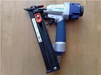 Gunnebo Modell LNF 50E Dyckertpistol.jpg
