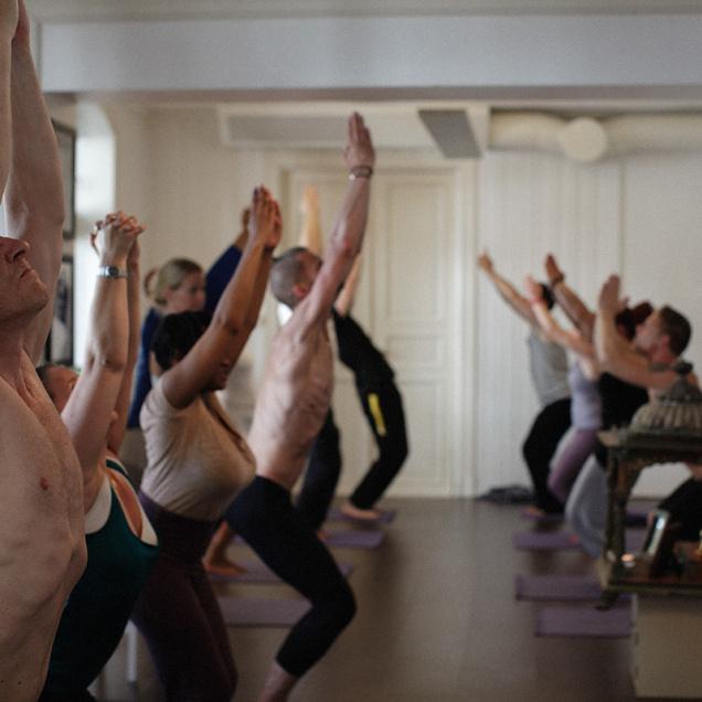 BITR deltagere på Puro Yoga