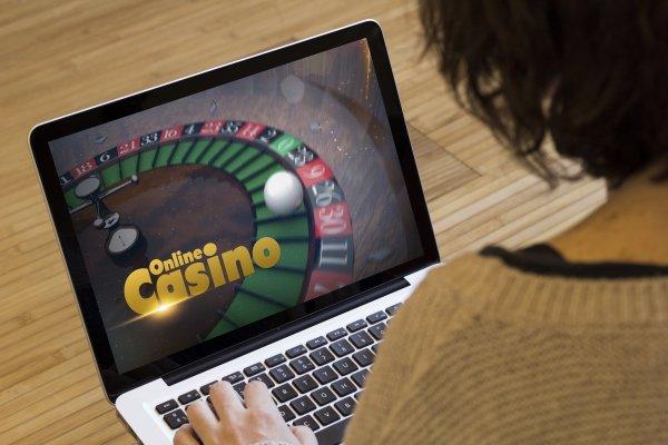 Spela casinospel online